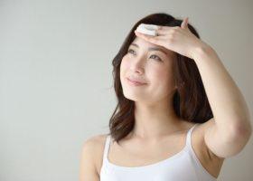 オイリー肌におすすめの化粧水!ベタつく顔の脂は間違ったケアが原因かも…